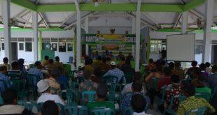 Wakil Bupati Jombang nambang Sungai Berantas demi bertemu para petani di Megaluh
