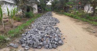 Tiuh kibang tri jaya Kecamatan Lambu Kibang Tulang Bawang Barat Bangun Jalan Anderlac sepanjang 350 meter