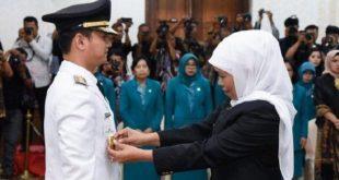 Gubernur Jatim  Khofifah Indar Parawansa melantik M. Nur Arifin  sebagai Bupati Trenggalek