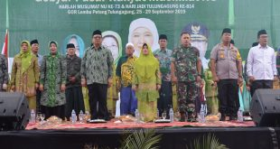 Penutupan Pasar Rakyat Muslimat NU di GOR Lembu Peteng