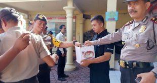 Anggota Polsek Tugu Turut Berpatisipasi Membatu Warga Yang Kurang Mampu