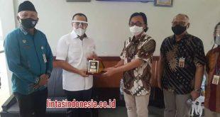 Ir.H.Zahir, M, AP Bersama Rombombongan Berkunjung ke Pusat Teknologi Metrologi Radiasi Batan Jakarta