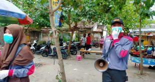 Polsek Kandat Membagikan 300 Masker Gratis Kepada Masyarakat Sekitar