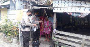 Polres Lingga Bersama Mahasiswa dan Ormas Bagikan Sembako dan Masker