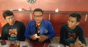 Pengacara Kondang Budiono SH Jumpa Pers Bersama HNSI Bangka Di Warkop Begagil