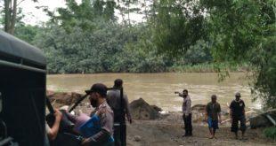 Galian Pasir Ilegal Di Dusun Tampureja , Desa SukoAnyar , Kecamatan Mojo , Kabupaten Kediri , Menelan 1 ( satu ) Kurban Jiwa