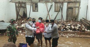 Diguyur Hujan Deras, Rumah Warga di Batang-Batang Ambruk