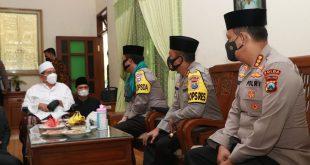 Jalin Komunikasi Dan Mohon Dukungan Do'a, Kapolda Jatim Silaturahmi ke Ponpes Al Falah Kediri