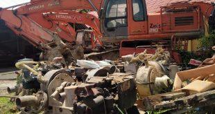 Diduga Beroprasi Di Kawasan Hutan Lindung, Empat Alat Berat Excavator Dan Dua Belas Set Mesin Tambang Di Amankan