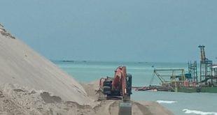 PT.Pulo Mas Siap Melakukan Pengerukan Alur Muara,Demi Keluar Masuk Nya Perahu Nelayan