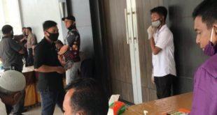 KPUD kabupaten Labuhanbatu Selatan Halangi Para Wartawan Untuk meliput Kegiatan Pengundian Nomor Urut Paslon.