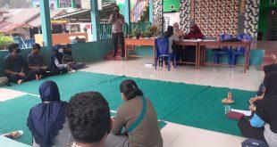 """Bhabinkamtibmas Desa Mentawak """"Bripka Habibi"""" Jadi Nara Sumber Etika Berlalu Lintas."""