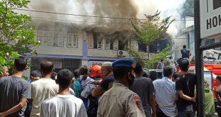 Si Jago Merah Bakar tiga Ruko di Jalan Perdagangan Sabang