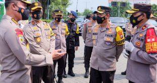 """Pastikan Operasi Ketupat 2021 Lancar, Irwasum Polri Tinjau Pos Pam Terminal Bungurasih"""